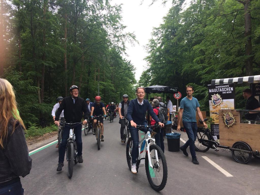 Erster Radschnellweg Baden-Württembergs freigegeben